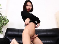 Asian  jerks her hard knob