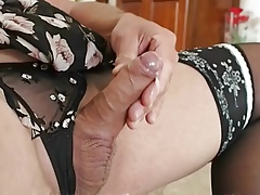 Shemale Crosdresser Big Boots Big Cum 4