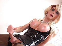 Shemale in Latex Dress
