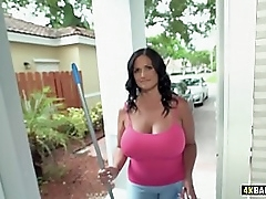 Cleaning Service Extras Everywhere, BBW rides buyer