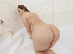 TS VR Porn-Big Tits TS Masturbating around the bathtub